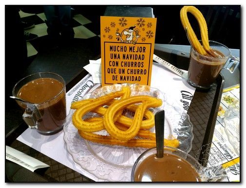 Los típicos churros con chocolate